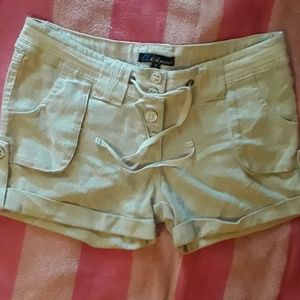 Wild Punch small khaki shorts
